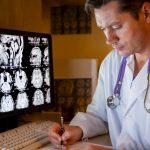 Protocole de gestion des commotions cérébrales : les médecins du sport ont des réserves